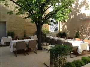 1 La table d'Uzes